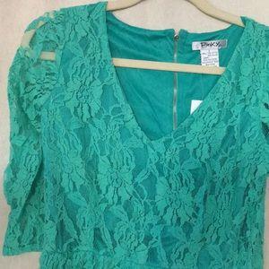 Pinky stretch lace 3/4 sleeve mini dress 👗 L